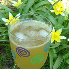 Fresh & Frosty Spiced Honey-Ginger Lemonade
