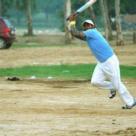 6 on 1 by Sanam Ahmed Khan - News & Events Sports ( fit, cricket, exercice, sports, man )