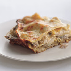 Cheesy Chicken and Mushroom Lasagne