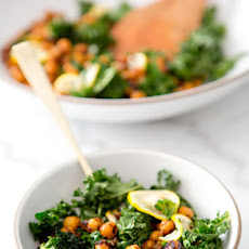 TOASTED KALE AND PAN FRIED CHICKPEA SALAD