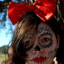Snow Death by Patricia Bouchie - People Body Art/Tattoos ( girl, red, costume, paint, sugar )