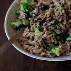 Broccoli Pesto & Fusilli Pasta