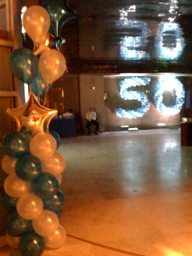 Decoraci n con globos 50 a os aba seguros sdanalu - Globos 50 anos ...