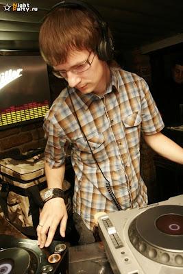 4Mal / DJ Antonio / Podval 27 Jun 2008
