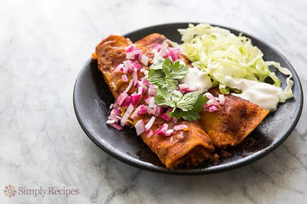 Mom's Chicken Enchiladas Recipe | Yummly