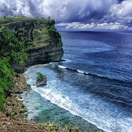 Uluwatu Sea Cliff by Ferdinand Ludo - Landscapes Waterscapes ( bali, indonesia, uluwatu, along the sea )