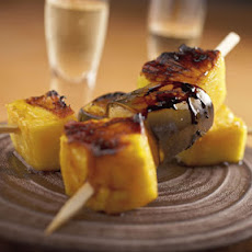 Grilled Pineapple and Bananas with Lemonade Glaze