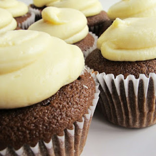 Chocolate Gingerbread Cupcakes with White Chocolate Cream Cheese Frosting