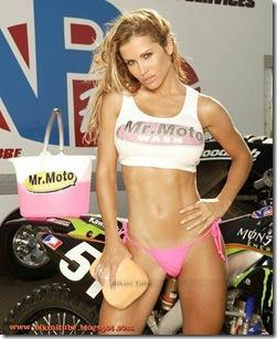 Jennifer-Walcott-Bikini-1