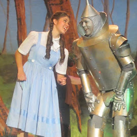 Thoroughly Modern Productions Wizard of OZ by Rob London - People Musicians & Entertainers