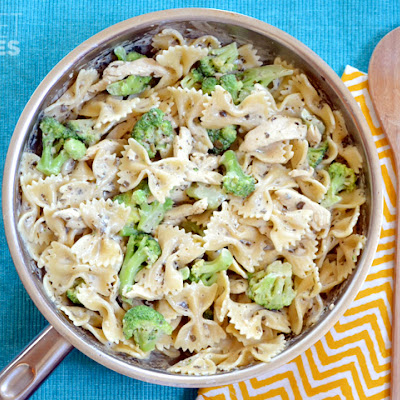 Creamy Pesto Pasta with Chicken & Broccoli