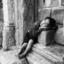 Sleeping Child by Dickson Phang - Babies & Children Children Candids ( black and white, children candids, sleeping, people, street photography )