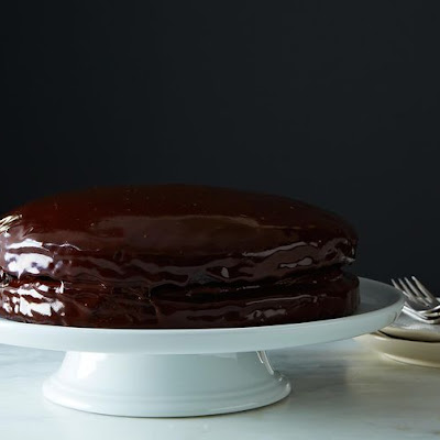 Vegan Chocolate Cake with Creamy Chocolate Filling