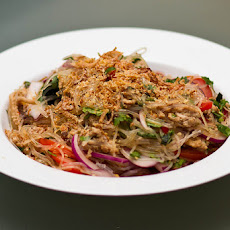 Peanut Thai Chicken With Vermicelli Noodles
