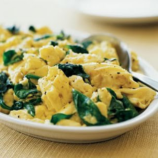 Scrambled Eggs with Spinach and White Cheddar