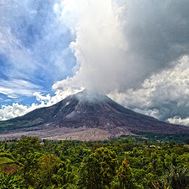 Sinabung Volcano by KyuHyun Thigan - Novices Only Landscapes ( volcano, indonesia, karo, sinabung )