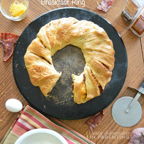 Bacon Egg and Cheese Breakfast Ring