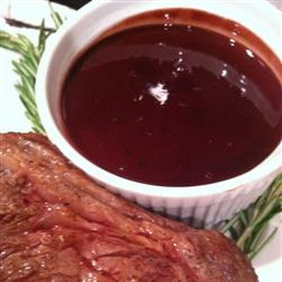 Pepper-Crusted Beef Tenderloin with Chocolate-Port Sauce