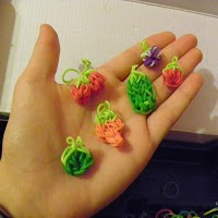Screenshot of Rainbow Loom Charms Tutorial
