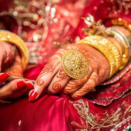 A Hindu Wedding Pose by Subhasis Mukherjee - Wedding Details ( wedding, indian wedding )