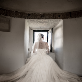 Windmill by Valter Antunes - Wedding Bride ( noiva, noivos, dress, wedding, casamento, trash, the, bride, groom )