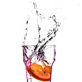 splash by Alexandru Leteanu - Food & Drink Alcohol & Drinks ( water, splash, aqua, nikon, nikon d90, limone )