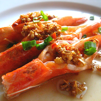Steamed Shrimp with Garlic Oil