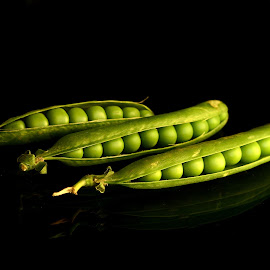 Green Peas by Prasanta Das - Food & Drink Fruits & Vegetables ( opened. green )