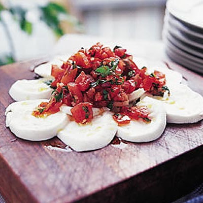 Mozzarella With Tomato & Chilli Salsa