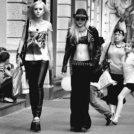 by Piotr B. Tubylec - City,  Street & Park  Street Scenes (  )