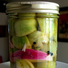 Spicy Pickled Green Tomato, Red Onion, Carrot & Garlic