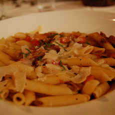 Delicious Hot or Cold Chicken Pasta