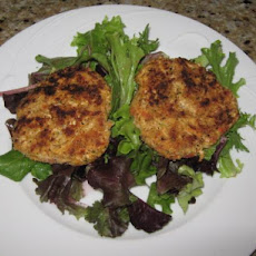 Tuscan Chicken Cakes with Golden Aioli