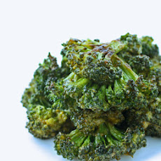 Spicy Sriracha Roasted Broccoli