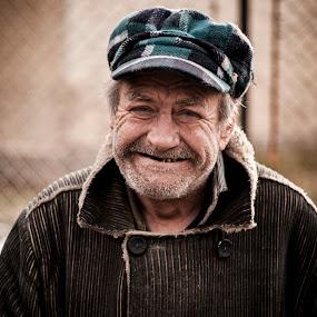 Smile to life...  by Ивайло Цветанов - People Portraits of Men ( life, street, dark, old man, smile, portraits )