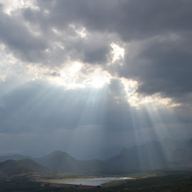 Sunbathing  by Avishek Naidu - Landscapes Mountains & Hills ( #lake, #clouds, #kodaikanal, #mountains, #sun )