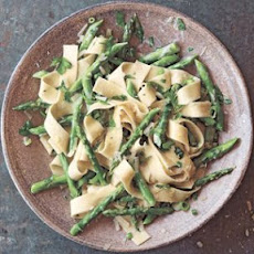 Pappardelle with Asparagus and Cream