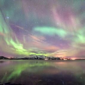 Aurora and stars by Benny Høynes - Landscapes Starscapes ( milkyway, northernlights, stars, aurora, norway )