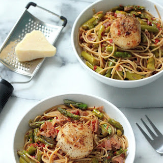 Spaghetti with Asparagus, Prosciutto, and Perfectly Seared Scallops