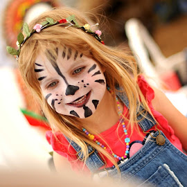 Face painting by Nick Tizard - Babies & Children Child Portraits ( happy, facepaint, zebra, party, smile )