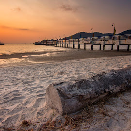 Sunrise - Jerejak Jetty by Nixȫn Ɲixon - Landscapes Beaches ( sunset, penang, malaysia, sunrise, landscape )
