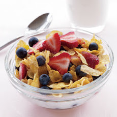 Cornflakes, Low-Fat Milk & Berries