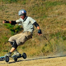 breaking by Robert Getel - Sports & Fitness Skateboarding