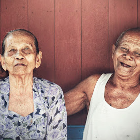 till death do us apart (highlander's couple) by Sesar Arief - People Couples ( old, highlander's, people, country, couples )