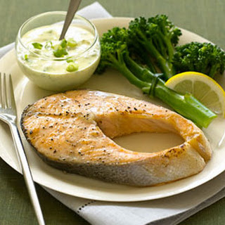 Salmon with Curry Yogurt Sauce