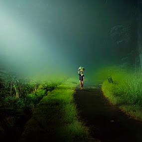 Go Home by Bli Gede Bagoes IGPWT - People Street & Candids