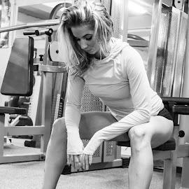 Niki by Máté Csöbönyei - Sports & Fitness Fitness