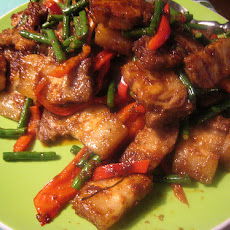 Stir Fried Yard-Long Beans With Pork and Pressed Tofu