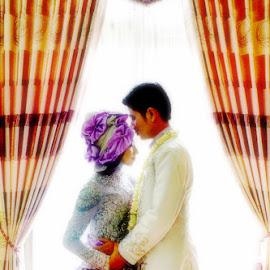 cium kening by Fora Ginanjar Katamsi - Wedding Bride & Groom ( kiss, window, wedding, bride and groom, bride, groom )
