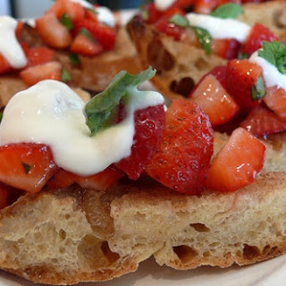 Breakfast Bruschetta with Strawberries and Tangy Cream
